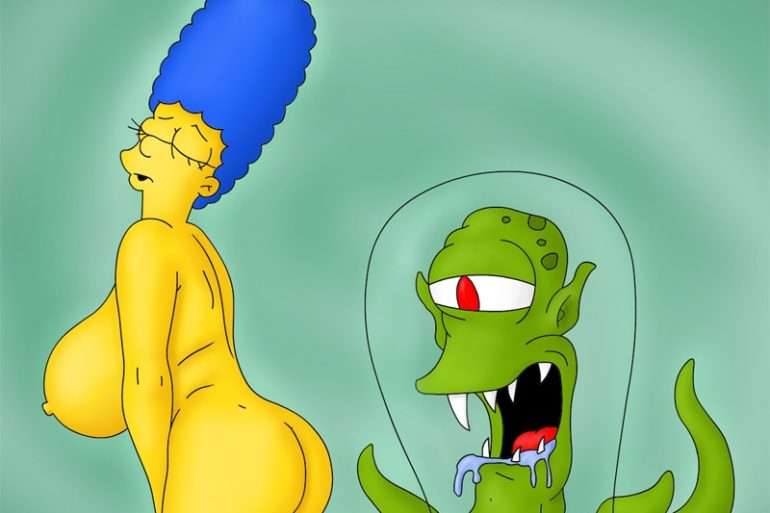 Marge Simpson Fingered By an Alien